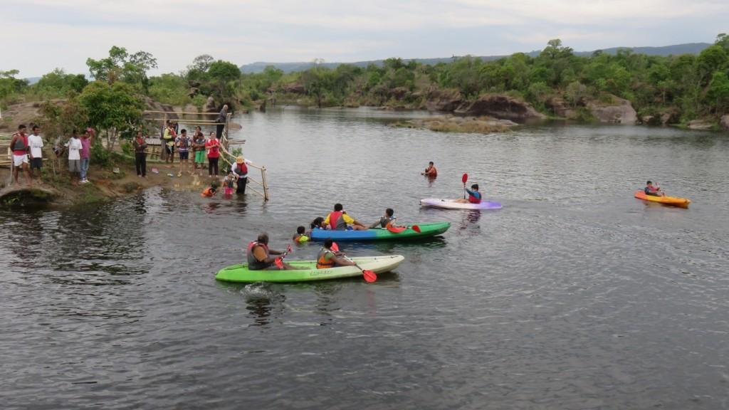 kayaking lake Mawlongbna