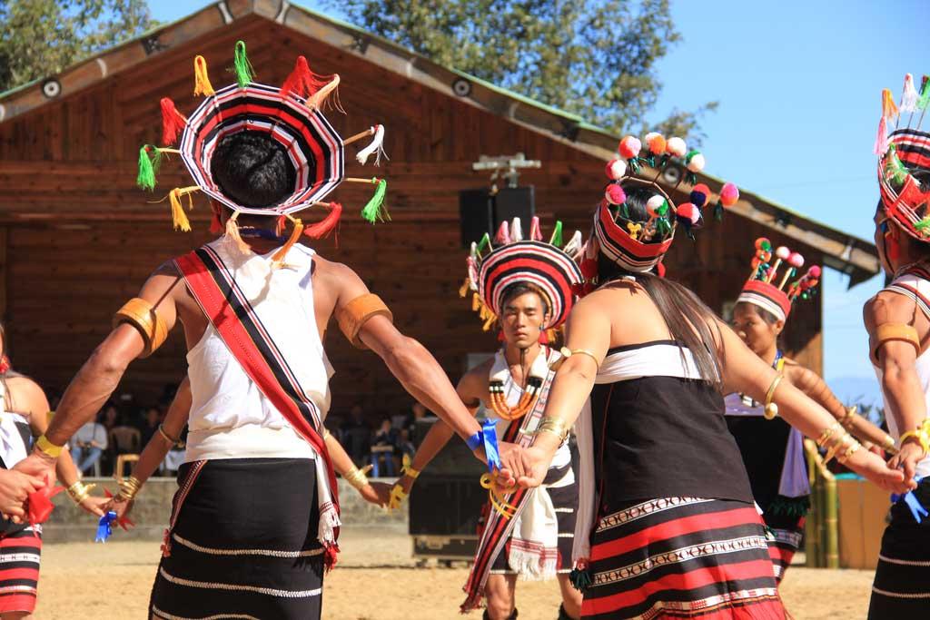 Angami youth dancing during Sekrenyi