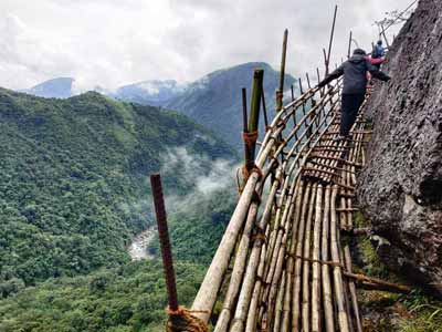 mawryngkhang trek